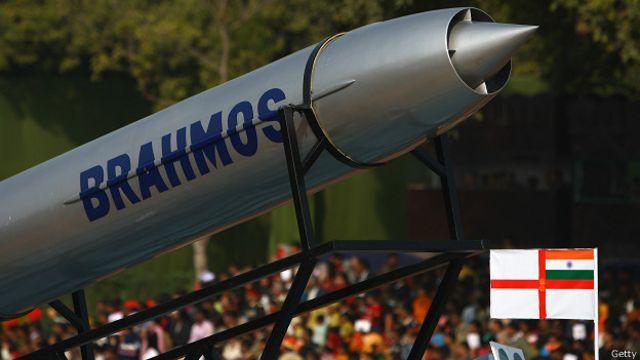 Tên lửa BrahMos trong lễ duyệt binh ở Ấn Độ