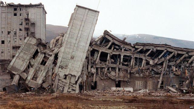 Spitak zəlzələdən sonra, 12 dekabr, 1988. AFP