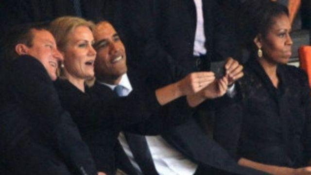 """""""Селфи"""" Обамы на похоронах Манделы вызвал волну критики и обсуждений"""