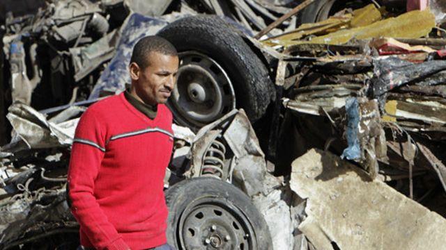 كانت سيارة مفخخة انفجرت بالقرب من مديرية أمن الدقهلية ما أسفر عن مقتل 16 شخصا أغلبهم من رجال الشرطة