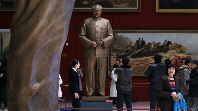 Tượng Mao Trạch Đông