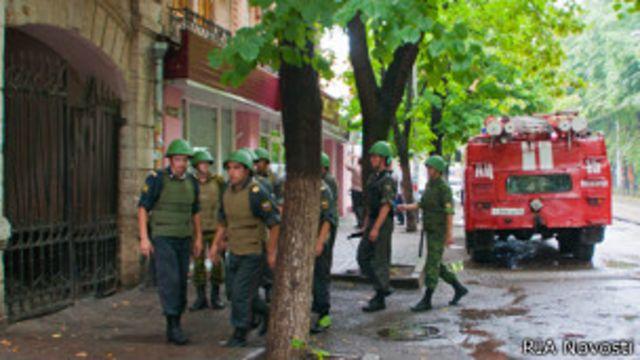 Место взрыва в Пятигорске в августе 2010 года