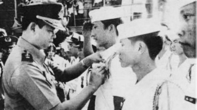 Những thủy thủ tham gia trận Hoàng Sa được chào đón tại đất liền