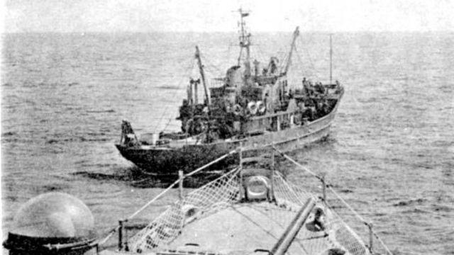 Hình chụp HQ-4 đâm vào tàu 407 của Trung Quốc ngày 17/1/1974, hai ngày trước khi xảy ra trận hải chiến