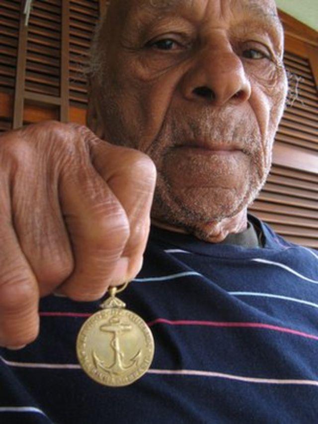 Argemiro Santos ainda guarda a medalha de ouro que ganhou