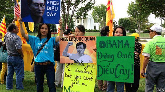 Biểu tình đòi thả tù nhân lương tâm VN ở hải ngoại