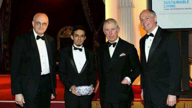 Gamal (dua dari kiri) dan Pangeran Charles (dua dari kanan)