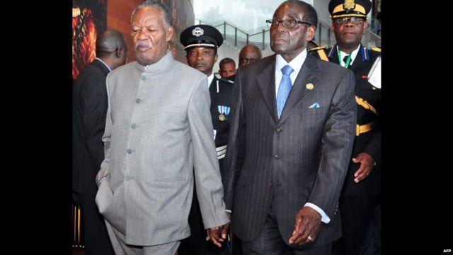 Jeudi, le président zambien Michael Sata et son homologue zimbabwéen Robert Mugabe arrivent au Sommet des chefs d'Etat de l'Union africaine dans la capitale éthiopienne, Addis Abeba.