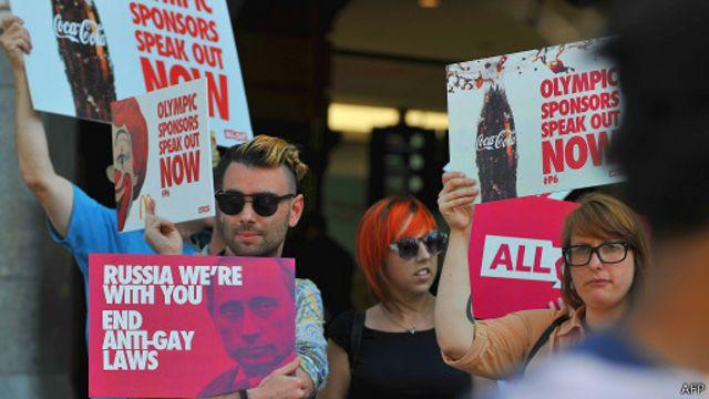 Пикет в Мельбурне с требованием отмены гомофобных законов в России