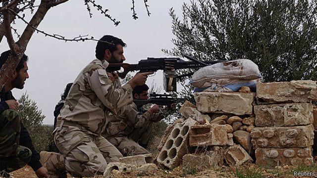 يحظى الجيش السوري الحر بدعم من دول غربية وعربية