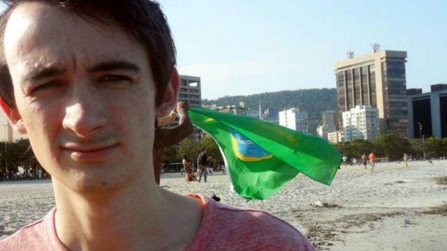 James falou sobre burocracia, desigualdade e adorou o funk carioca!