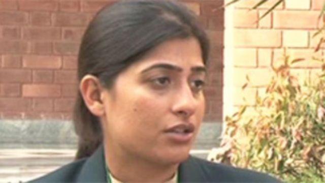 بسما معروف نے 2 جبکہ ثنا میر اور اسماویہ اقبال نے ایک ایک وکٹ حاصل کی