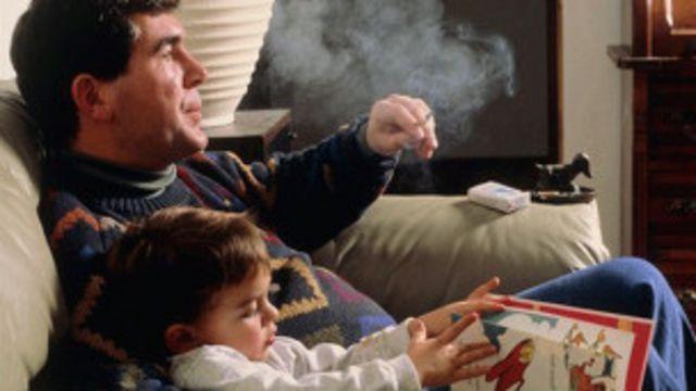 محققین کا کہنا ہے کہ بچوں کو تمباکونوشی سے گھروں پر بھی بچانے کی ضرورت ہے