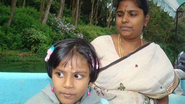 Esposa e hija de Muruganantham