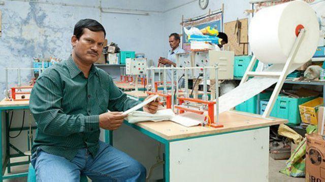 Arunachalam Muruganantham y su máquina