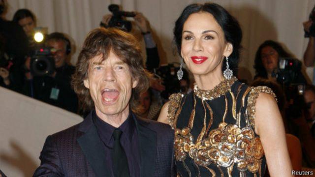 غموض يلف موت مصممة الأزياء لورين سكوت صديقة المغني ميك جاغر - BBC News عربي