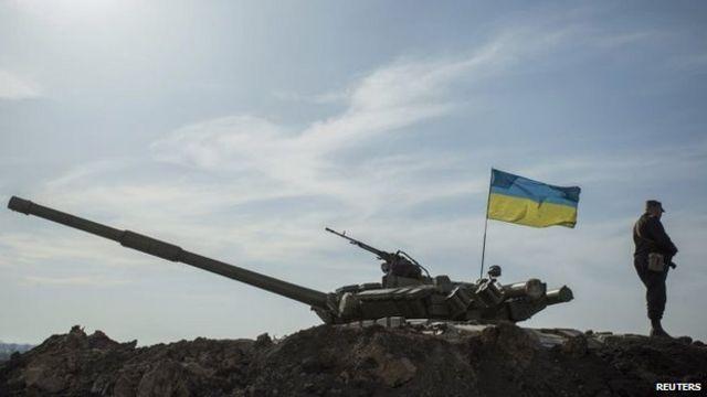 یک سرباز اوکراینی در نزدیکی مرز با روسیه