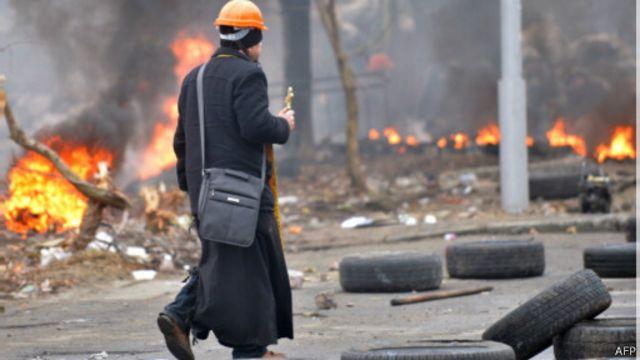 На Майдане священники разных конфессий сосуществовали без конфликтов. <br>Удастся ли повторить это в мирных условиях?