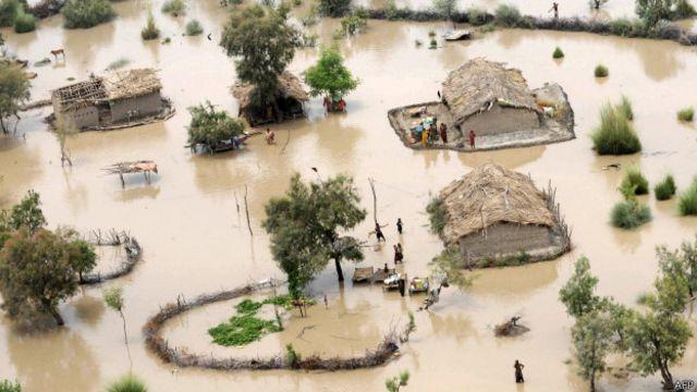 Enchente no Paquistão em 2010. Foto: AFP