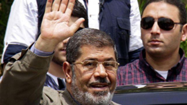 صنفت الحكومة المصرية الاخوان منظمة ارهابية بعد عزل محمد مرسي