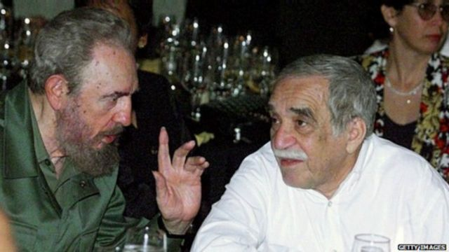 كان ماركيز صديقا للزعيم الكوبي فيدل كاسترو.