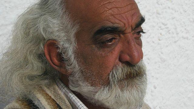امیرحسین فطانت میگوید کتاب را نه برای پاسخ به اتهامات یا توضیح و حتی توجیه گذشتهها، که برای بیان خود نوشته و آنچه در این چهل سال بر او گذشته.