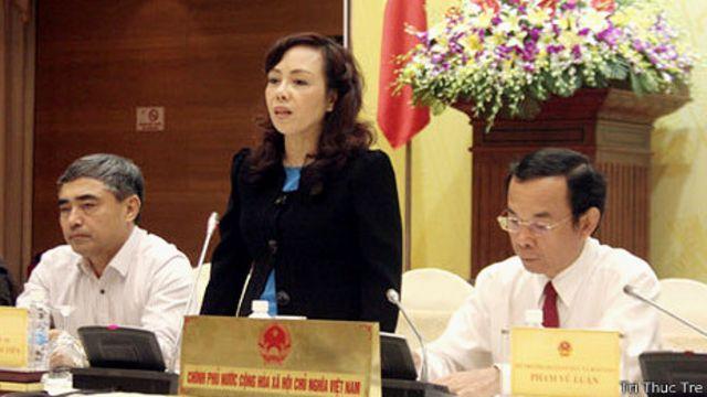 Bộ trưởng Y tế Nguyễn Thị Kim Tiến đã chịu nhiều sức ép