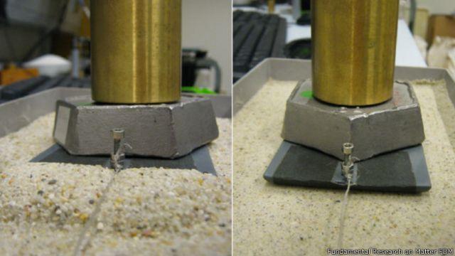 Experimento con arena en el laboratorio