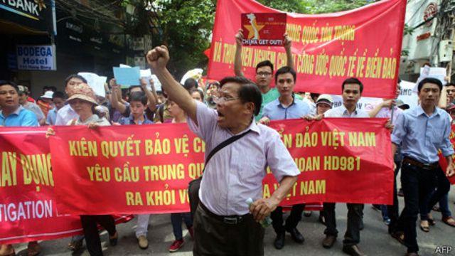 Việt Nam đang chứng kiến các cuộc biểu tình chống Trung Quốc lớn chưa từng thấy