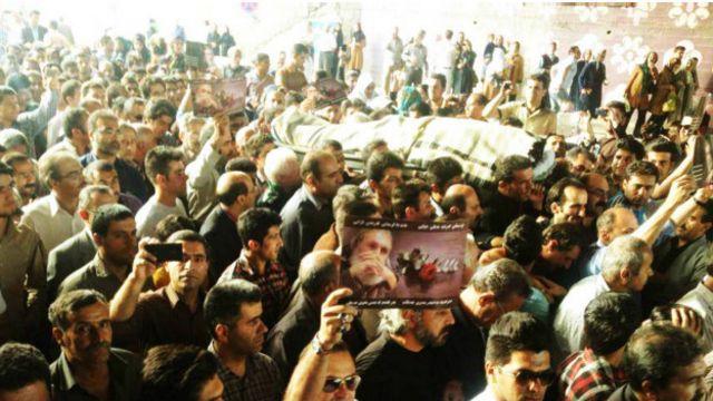 تشییع پیکر عباس کمندی در سنندج