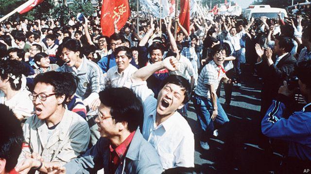 北京學生參與五四遊行(4/5/1989)