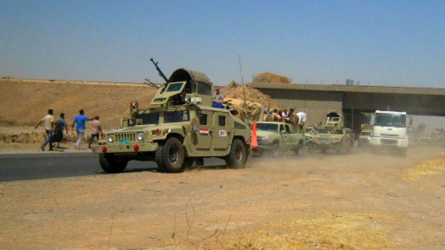 قوات الجيش العراقي انسحبت من مواقعها في الموصل عند دخول مسلحي داعش.