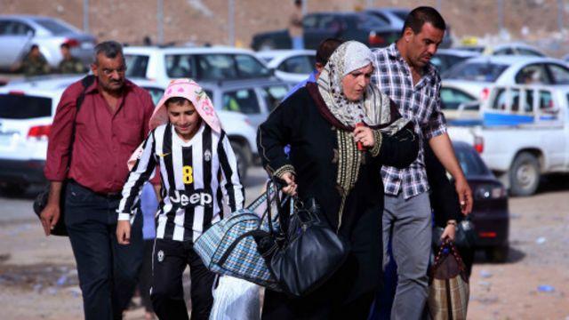 فر من الموصل نحو نصف مليون شخص خشية المعارك.