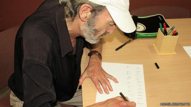 O desenhista Miquel Fuster Juca é um dos que criararam fontes para o projeto