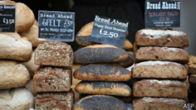 Los celíacos e intolerantes deben evitar los panes de trigo y otros cereales con gluten.