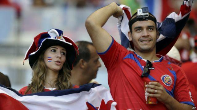 Pendukung setia Kosta Rika bakal kesulitan mencari jersey timnasnya, saat ini.