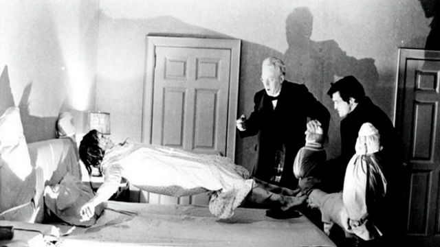 "Кадр из фильма 1974 года ""Изгоняющий дьявола"""