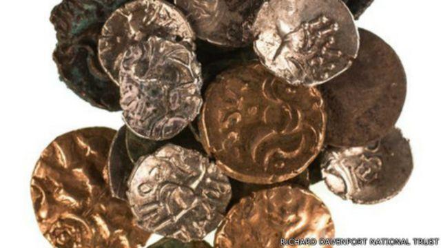 Segundo especialistas, é a primeira vez que moedas de duas civilizações distintas são encontradas juntas