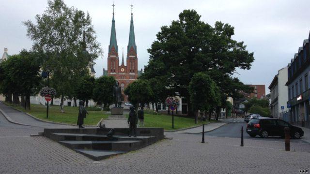 El centro de la ciudad de Skien, en Noruega. Los Vásquez vivían en Gulset, un suburbio en el noroeste de la ciudad.