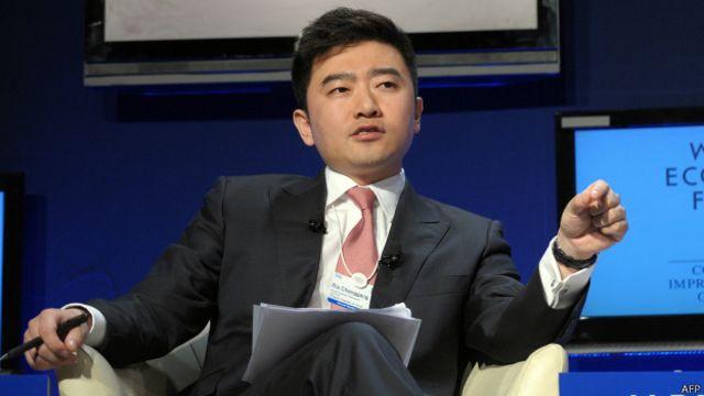 芮成钢因英语出色,成为许多中国年轻人的偶像
