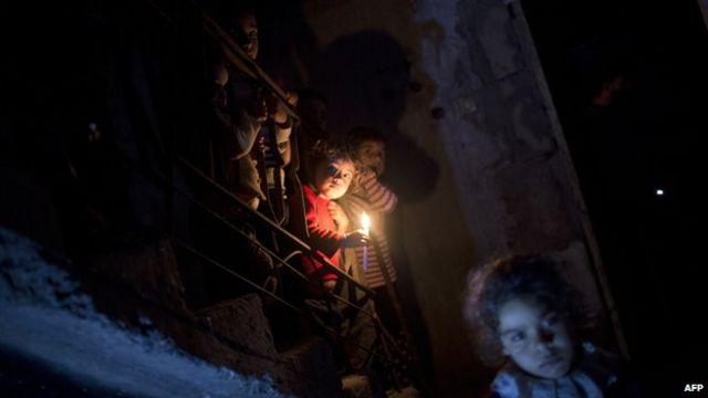Cortes de luz em Gaza (AFP)