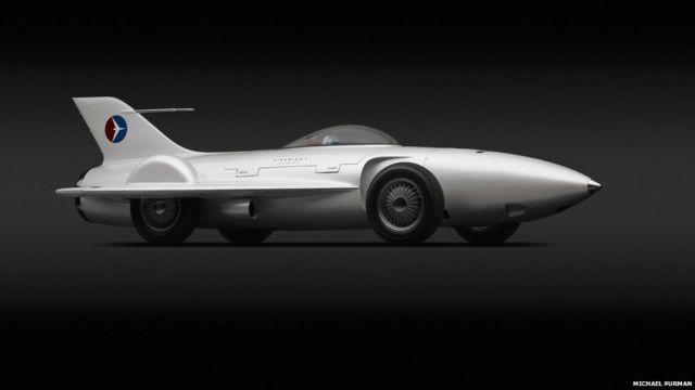 """၁၉၅၃ ခုနှစ်က Harley J Earl၊ Robert F """"Bob"""" McLean နဲ့ General Motors တို့ ဒီဇိုင်းထုတ်ခဲ့တဲ့ Firebird I XP-21။ ဒီပြပွဲကို ၂၀၁၄ စက်တင်ဘာ ၇ ရက်နေ့အထိ ပြသထားမှာ ဖြစ်ပါတယ်။"""