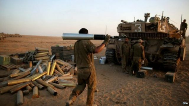 """أمريكا زودت إسرائيل بمزيد من الذخيرة لمساعدتها على مواصلة الهجوم و""""الدفاع عن نفسها""""."""