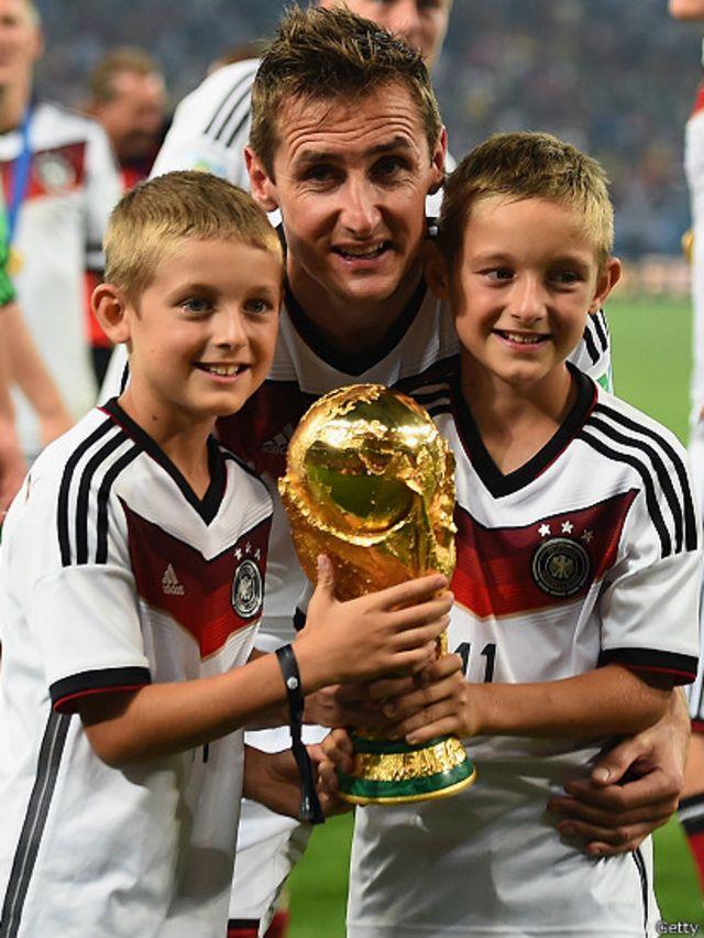 ساهم كلوزه في فوز ألمانيا بكأس العالم 2014