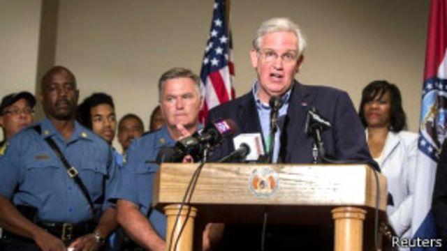 """El gobernador Nixon calificó la publicación del video de """"incendiaria""""."""