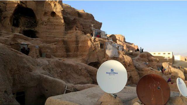 بامیان کے سینکڑوں غار اور چٹانیں یونیسکو کی عالمی تاریخی وراثت کا حصہ ہیں