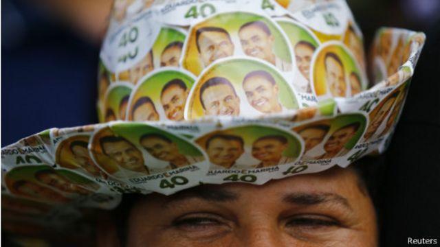 Partidária da chapa Campos-Marina (Foto: Reuters)