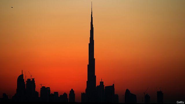 El Burj Califa de Dubái es actualmente el edificio más alto del mundo.