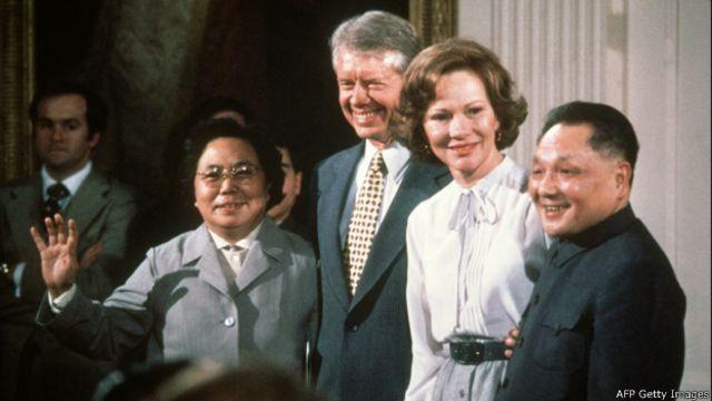 Năm 1979, Hoa Kỳ và Trung Quốc lập quan hệ ngoại giao, tạo ra thế cô lập cho Việt Nam