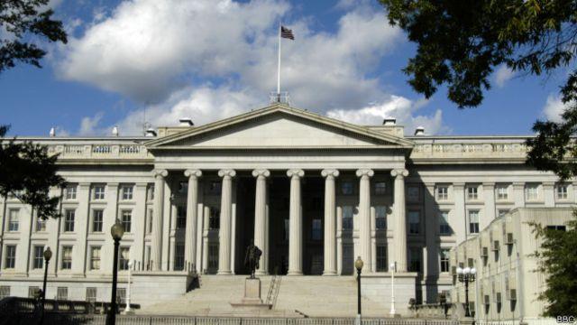 Специалисты по санкциям из минфина США переходят на работу в банки